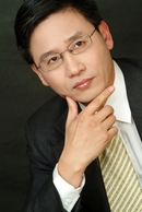 Dr. Shu is a Cosmetic Surgeon in the Minneapolis and St. Paul area
